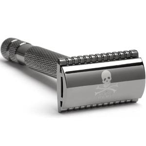 maszynka do golenia na żyletki The Bluebeards Revenge Cutlass Double-Edge Safety Razor closed comb